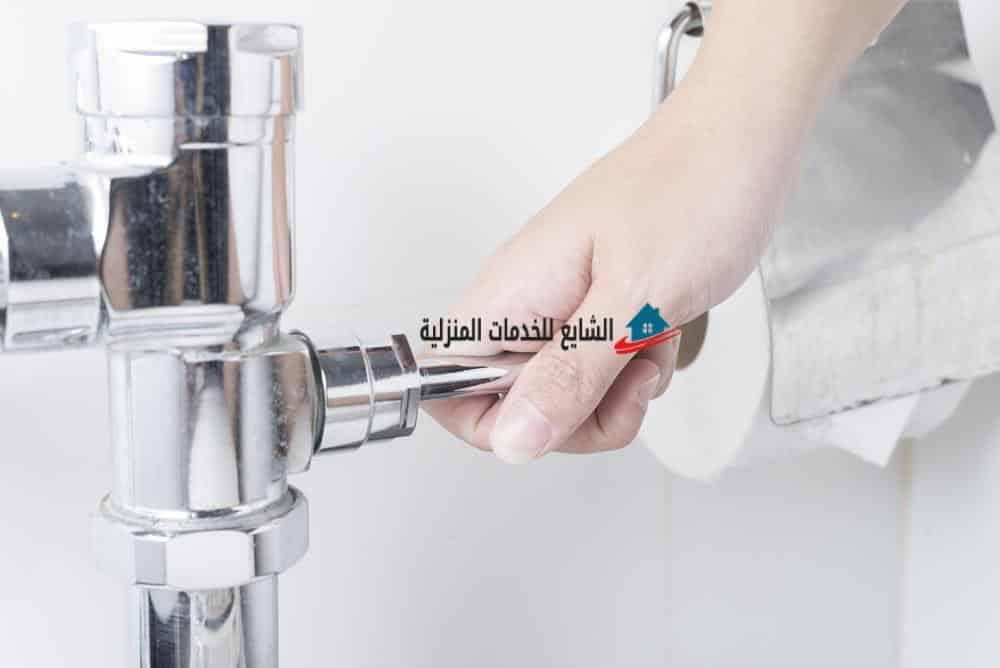 طريقة فحص تسربات المياه